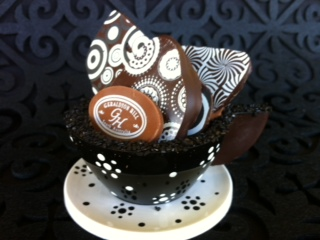 Geraldton Hill black chocolate teacup saucer